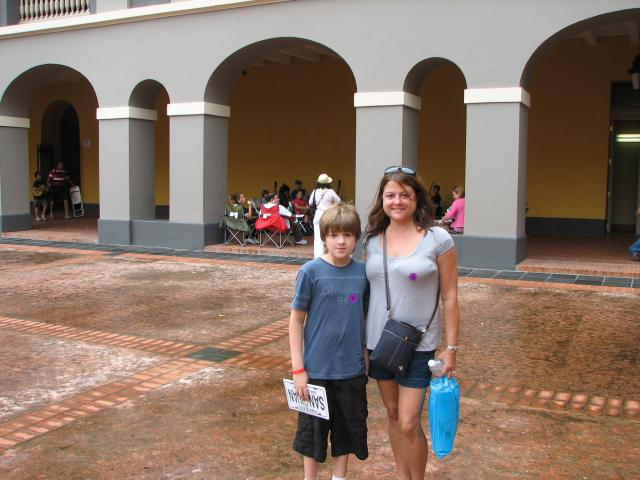 Bryce and Lisa (vet hospital El Morro)